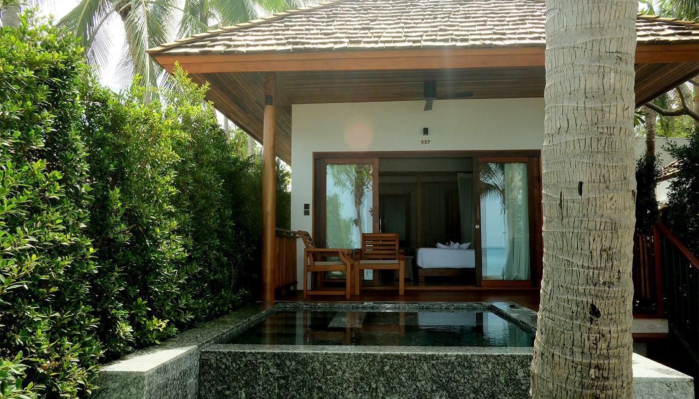 Beachfront Villa with Jacuzzi - Banana Fan Sea Resort
